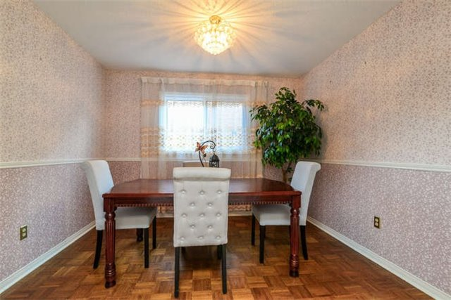 Detached at 6 Coughlen St, Ajax, Ontario. Image 17