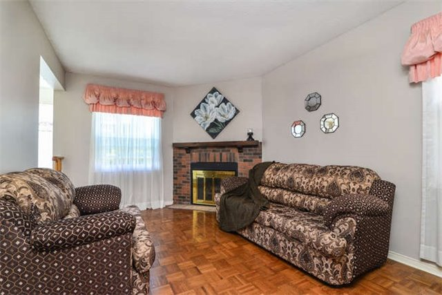 Detached at 6 Coughlen St, Ajax, Ontario. Image 20