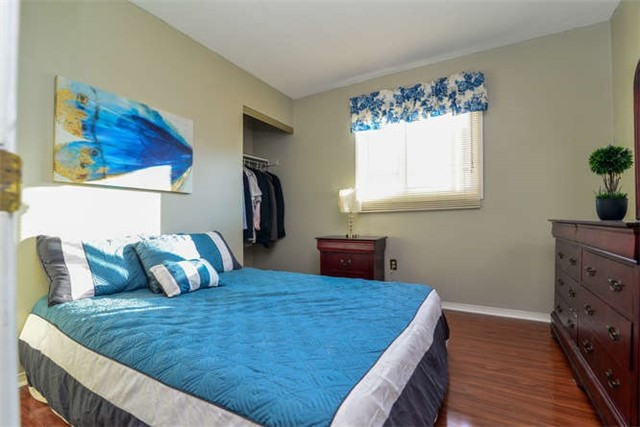 Detached at 6 Coughlen St, Ajax, Ontario. Image 8