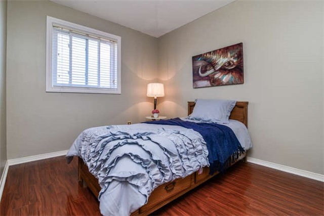 Detached at 6 Coughlen St, Ajax, Ontario. Image 9