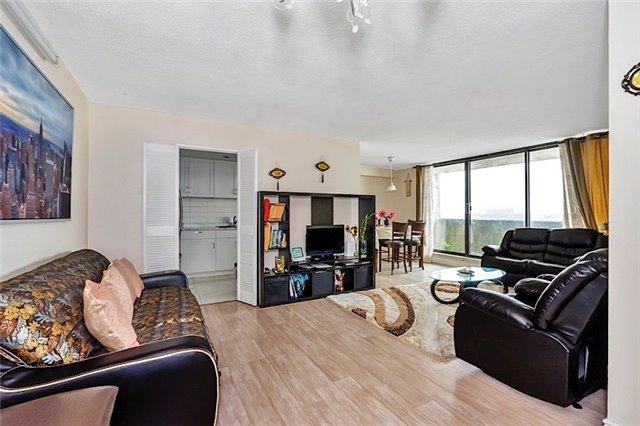 Condo Apartment at 301 Prudential Dr, Unit 1412, Toronto, Ontario. Image 14