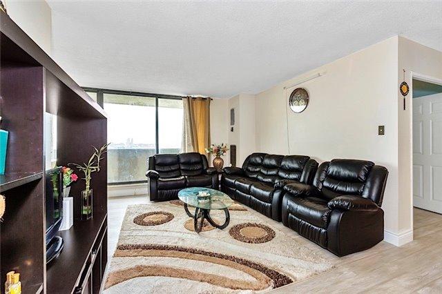 Condo Apartment at 301 Prudential Dr, Unit 1412, Toronto, Ontario. Image 15