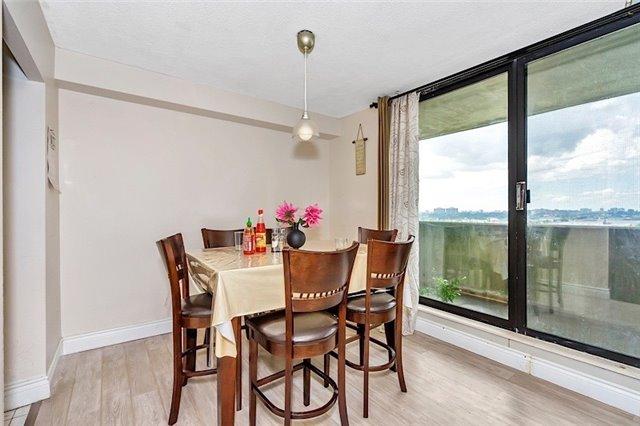 Condo Apartment at 301 Prudential Dr, Unit 1412, Toronto, Ontario. Image 16