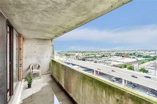 Condo Apartment at 301 Prudential Dr, Unit 1412, Toronto, Ontario. Image 7