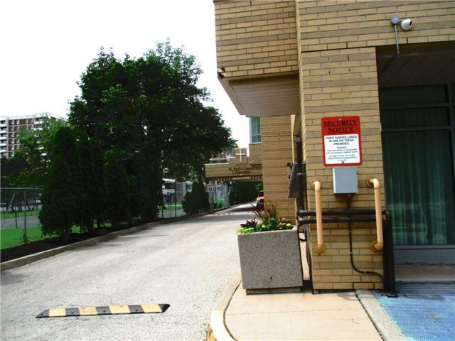 Condo Leasehold at 2800 Warden Ave, Unit 308, Toronto, Ontario. Image 11