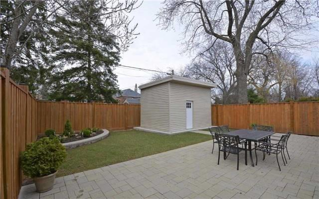 Detached at 22 Innisdale Dr, Toronto, Ontario. Image 11