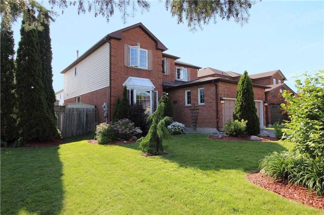 Detached at 1041 Ridge Valley Dr, Oshawa, Ontario. Image 1