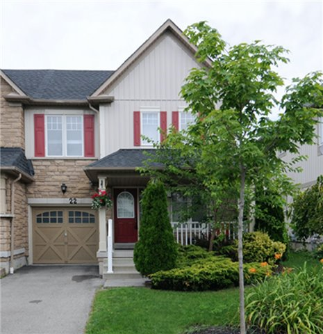 Townhouse at 22 Haverhill Cres, Whitby, Ontario. Image 1