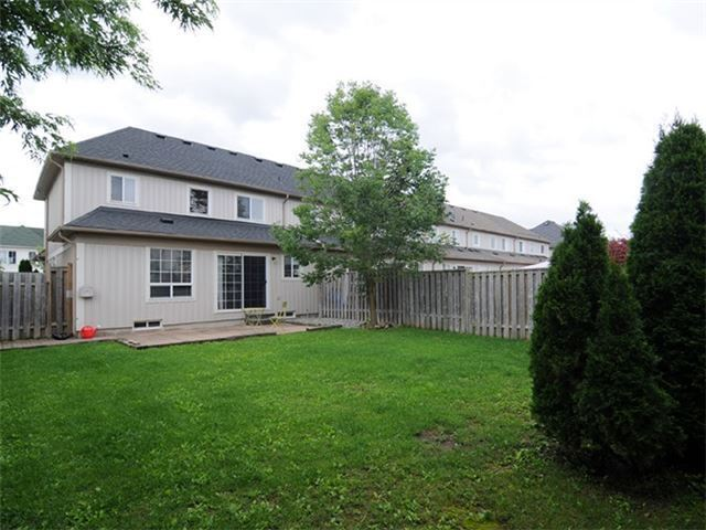 Townhouse at 22 Haverhill Cres, Whitby, Ontario. Image 10