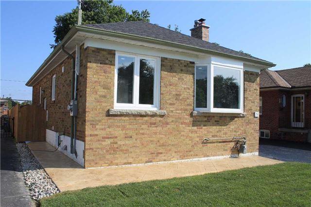 Detached at 24 Dewey Dr, Toronto, Ontario. Image 11