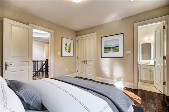 Detached at 65 Fishleigh Dr, Toronto, Ontario. Image 4