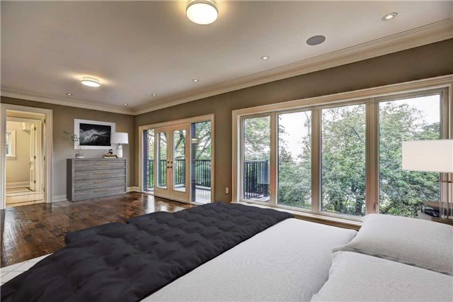 Detached at 65 Fishleigh Dr, Toronto, Ontario. Image 6