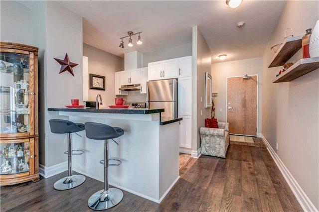Condo Apartment at 44 Bond St W, Unit 802, Oshawa, Ontario. Image 5