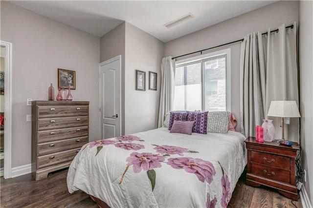 Condo Apartment at 44 Bond St W, Unit 802, Oshawa, Ontario. Image 6