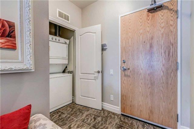 Condo Apartment at 44 Bond St W, Unit 802, Oshawa, Ontario. Image 9