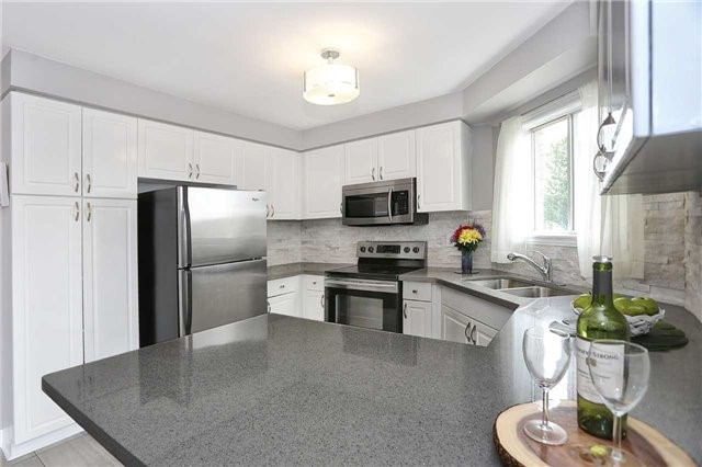 Detached at 1707 Maple Hill Crt, Pickering, Ontario. Image 16