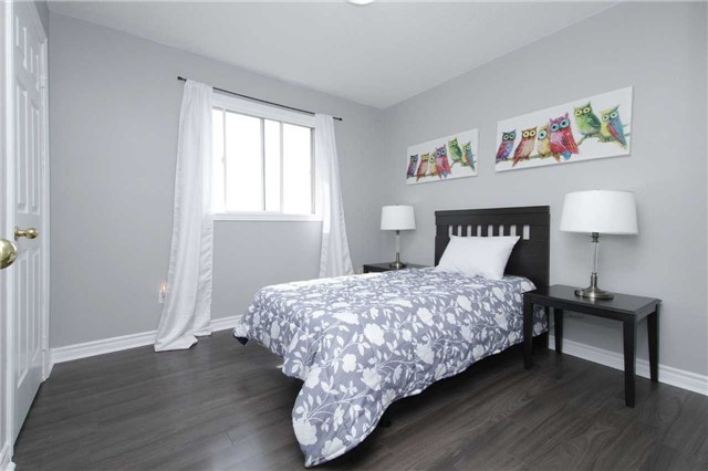 Detached at 1707 Maple Hill Crt, Pickering, Ontario. Image 10