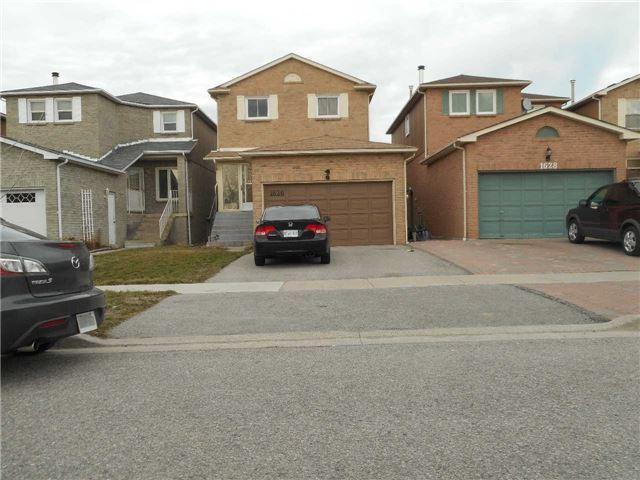 Detached at 1626 Fairfield  Dr, Pickering, Ontario. Image 1