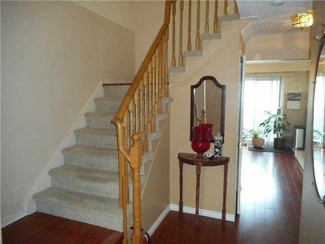 Detached at 1626 Fairfield  Dr, Pickering, Ontario. Image 2