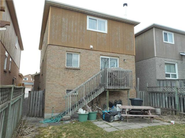 Detached at 1626 Fairfield  Dr, Pickering, Ontario. Image 3
