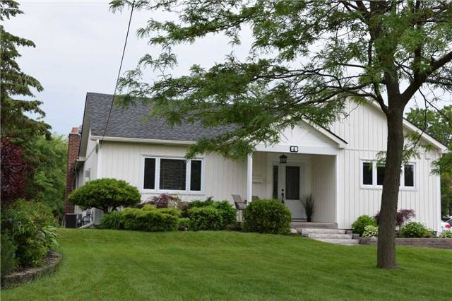 Detached at 4 Lloyd St, Whitby, Ontario. Image 12