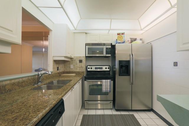 Condo Apartment at 88 Corporate Dr, Unit 617, Toronto, Ontario. Image 8