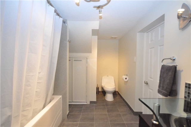 Detached at 59 Leahann Dr, Toronto, Ontario. Image 13