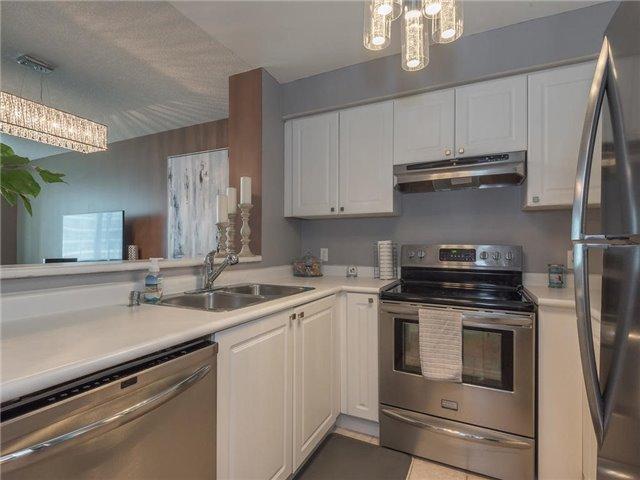 Condo Apartment at 1 Lee Centre Dr, Unit 612, Toronto, Ontario. Image 19