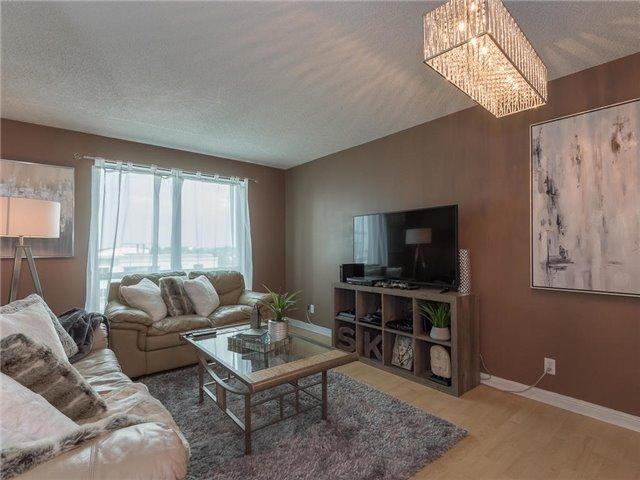 Condo Apartment at 1 Lee Centre Dr, Unit 612, Toronto, Ontario. Image 20
