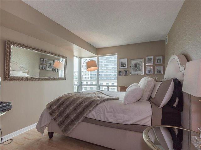 Condo Apartment at 1 Lee Centre Dr, Unit 612, Toronto, Ontario. Image 5
