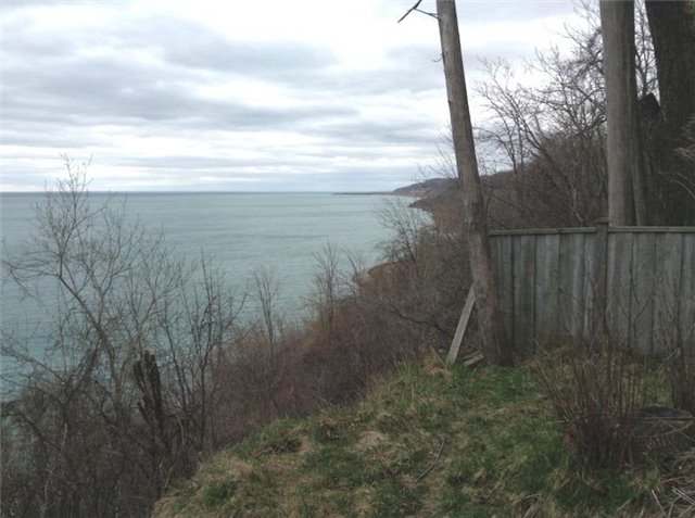 Detached at , Ontario. Image 11