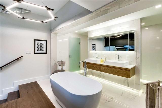 Condo Apartment at 326 Carlaw Ave, Unit 122, Toronto, Ontario. Image 4