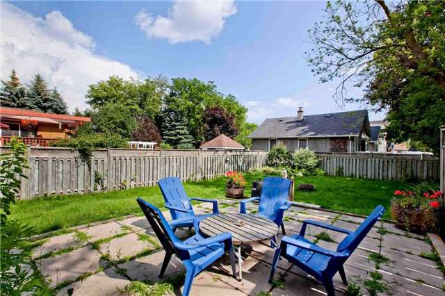 Detached at 111 Palmerston Ave, Whitby, Ontario. Image 8