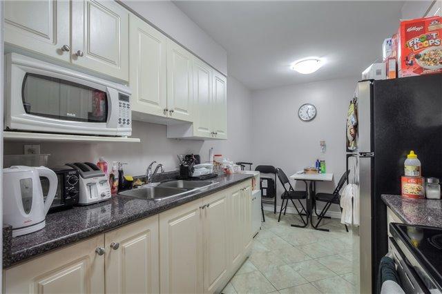 Condo Apartment at 101 Prudential Dr N, Unit 708, Toronto, Ontario. Image 19