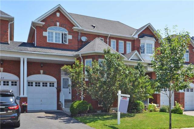 Townhouse at 39 Dooley Cres, Ajax, Ontario. Image 1