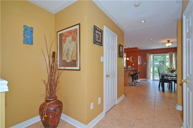 Townhouse at 39 Dooley Cres, Ajax, Ontario. Image 15