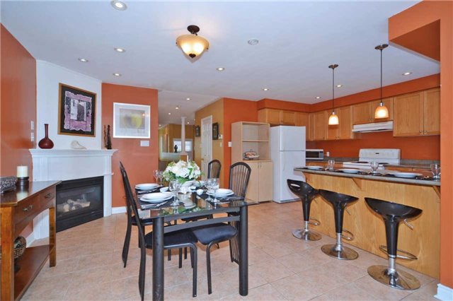 Townhouse at 39 Dooley Cres, Ajax, Ontario. Image 17