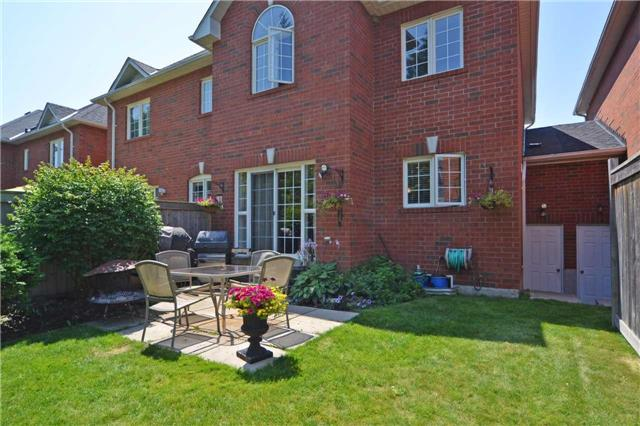 Townhouse at 39 Dooley Cres, Ajax, Ontario. Image 11