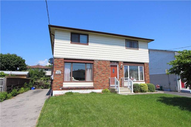 Semi-detached at 712 Gibb St, Oshawa, Ontario. Image 1