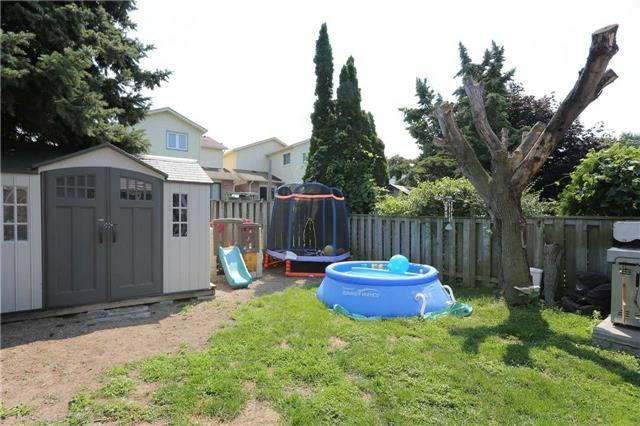 Detached at 877 Attersley Dr, Oshawa, Ontario. Image 6