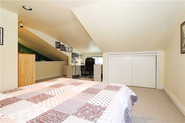 Detached at 81 Meighen Ave, Toronto, Ontario. Image 2