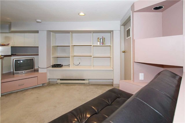 Detached at 81 Meighen Ave, Toronto, Ontario. Image 5