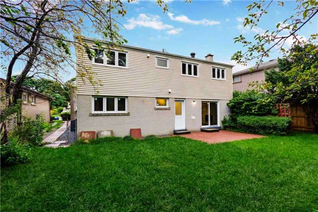 Detached at 38 Bledlow Manor Dr, Toronto, Ontario. Image 11