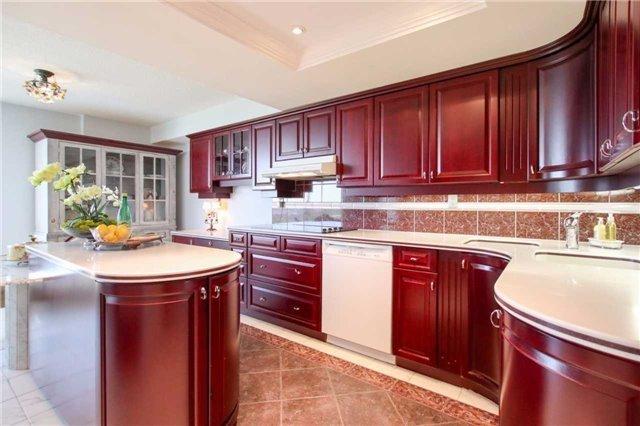 Condo Apartment at 900 Wilson Rd N, Unit 704, Oshawa, Ontario. Image 4