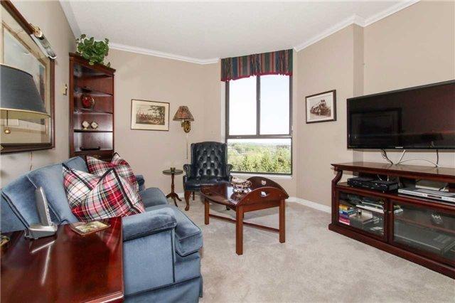 Condo Apartment at 900 Wilson Rd N, Unit 704, Oshawa, Ontario. Image 5