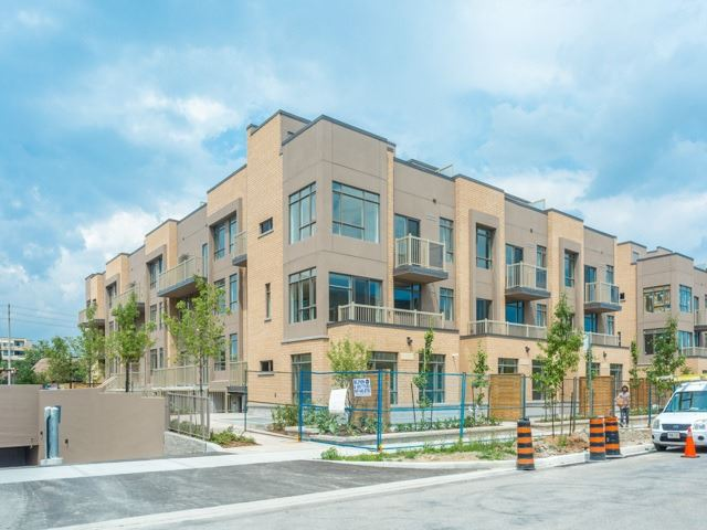 Condo Townhouse at 90 Orchid Place Dr, Unit 304, Toronto, Ontario. Image 1