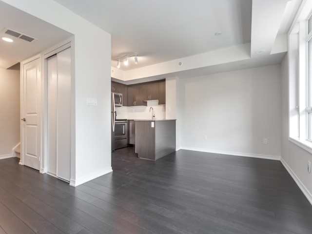 Condo Townhouse at 90 Orchid Place Dr, Unit 304, Toronto, Ontario. Image 13