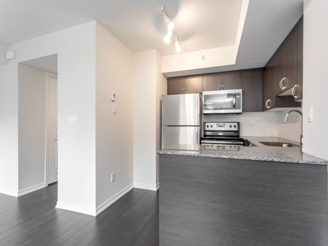Condo Townhouse at 90 Orchid Place Dr, Unit 304, Toronto, Ontario. Image 14