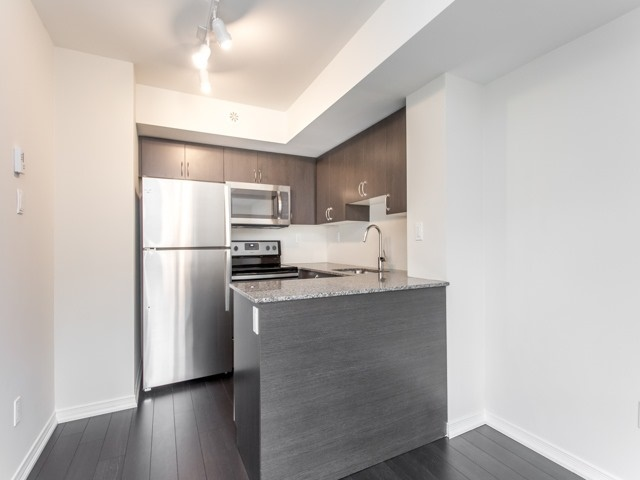 Condo Townhouse at 90 Orchid Place Dr, Unit 304, Toronto, Ontario. Image 15