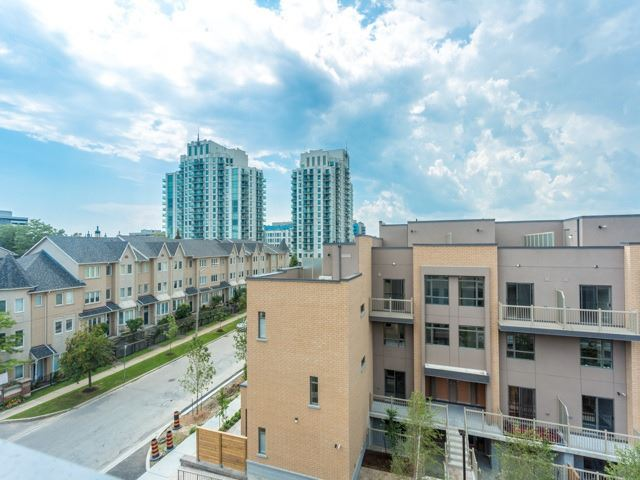Condo Townhouse at 90 Orchid Place Dr, Unit 304, Toronto, Ontario. Image 10